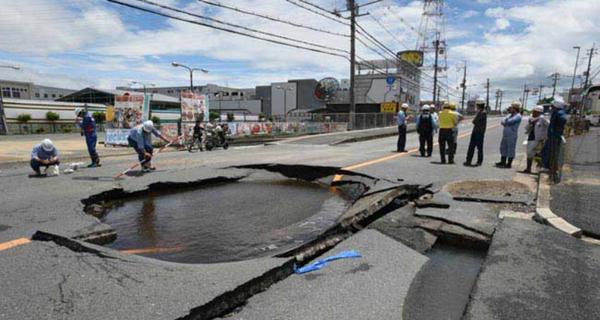 【映像】大阪北部地震の最新情報まとめ。女児が壁に…。阪急や京阪の交通状況は?【大阪メトロ 阪神電車 震度6】